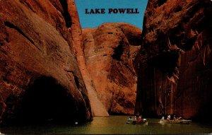 Arizona/Utah Glen Canyon National recreation Area Boaters On Lake Powell