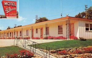 Toledo Iowa L Ranko Motel Street View Vintage Postcard K54761