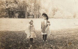 RP: CHICAGO , Illinois , 1911 ; 2 kids with USA Flags