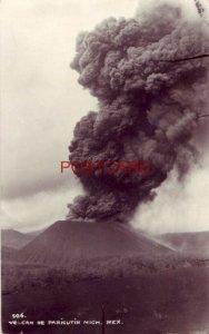 VOLCAN DE PARICUTIN, MICH. MEXICO showing eruption