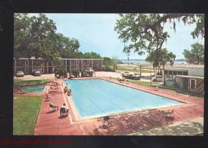 BILOXI MISSISSIPPI TRADE WINDS MOTEL SWIMMING POOL VINTAGE POSTCARD
