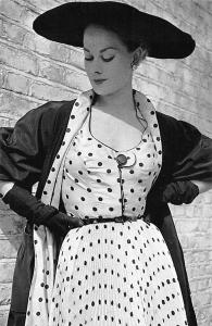 London, Picture Post, Black and White, Fancy Hat 1952 Nostalgia Reprint