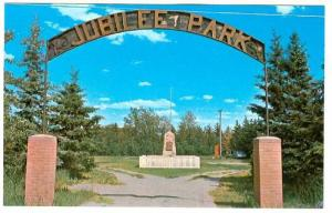 On The Alberta-Saskatchewan, Entrance To Jubilee Park With Memorial Stone, Ll...