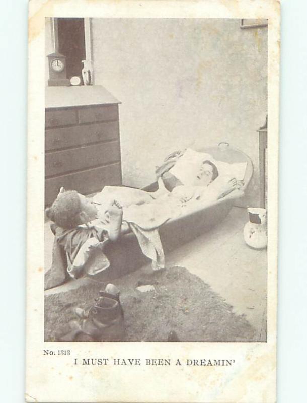 Pre-Linen Gay Interest MAN SLEEPING TOGETHER IN A BATHTUB AB8933