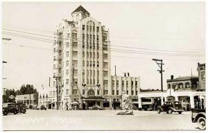 Baker OR Standard Gas Station Hotel Baker Old Cars RPPC Real Photo Postcard