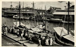 curacao, N.W.I., WILLEMSTAD, Schooner Market, Fishing Boats (1950s) Salas RPPC