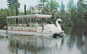 Kris Kringle Showboat, Muskoka River, Santa's Village, Bracebridge, Ontario, ...