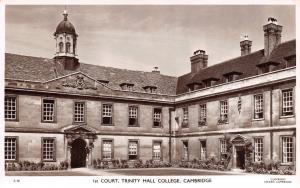 Vintage Real Photo Cambridge Postcard 1st Court, Trinity Hall College D61