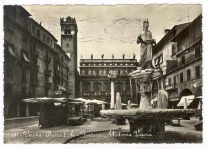 RP  Verona, Italy PU-1956   Piazza Erbe