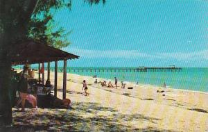 Florida Beautiful Indian Rocks Beach Showing The Popular Fishing Pier Holiday...