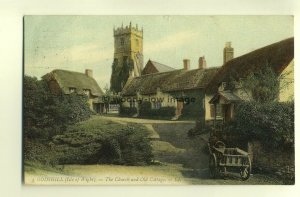 h0192 - Godshill , Church & Cottages , Isle of Wight - postcard LL 3