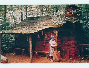 Unused 1980's POUNDING CORN AT CHEROKEE NATIVE INDIAN VILLAGE Cherokee NC Q8772