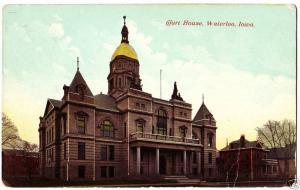 Old WATERLOO Iowa Postcard COURT HOUSE