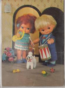 Mechanical push and beep postcard dressed dolls couple music fantasy drum dog