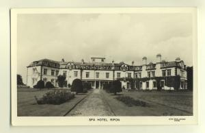 tp4277 - Yorkshire - Ripon - The Spa Hotel and Gardens - Postcard