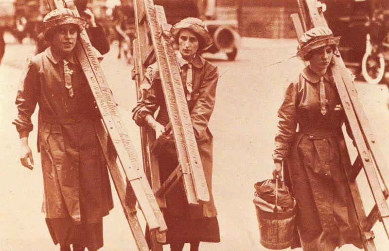Nostalgia Postcard WW1 Window Cleaners 1914-1918 Reproduction Card NS33