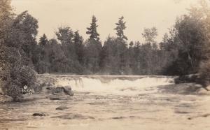 RP, WISCONSIN, 1920s; Wolf River, Sullivan Falls