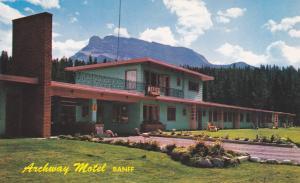 BANFF , Alberta , Canada , 50-60s ; Archway Motel