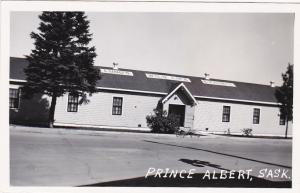 RP: Lund's Wild Life Exhibit Bldg , PRINCE ALBERT, Saskatchewan, Canada, 30-40s