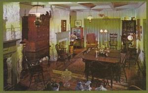 Pennsylvania Scenery Hill Century Inn The Antique Living Room
