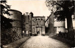 CPA St-MARCEL-de-FÉLINES - Entrée du Chateau (510311)