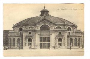Troyes , France, 00-10s ; Le Chateau du SILENCE banner on Le Cirque