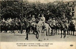 CPA MILITAIRE Avant le Défilé-Les Maréchaux Pétain & Foch (317593)