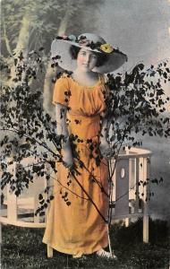 Glamour danish dame femme, lady, vintage, fancy hat, Denmark 1916