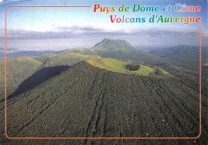 France Puys de Dome et Come Volcans d'Auvergne Landscape Postcard