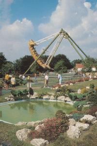 Pleasurewood Hills Pirate Ship Theme Park Ride Lowestoft Suffolk Postcard