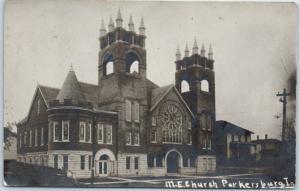 Parkersburg, Iowa RPPC Real Photo Postcard M.E. CHURCH Building Street View 1907