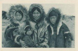 Cercle Arctique (ALASKA) , 1910s ; 4 Eskimos