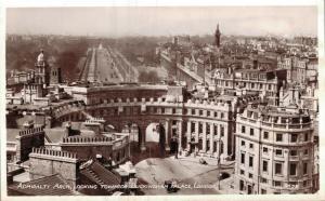 UK Admiralty Arch Looking Towards Buckingham Palace London 01.67