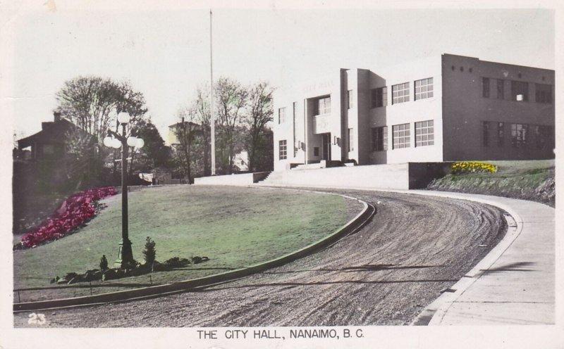 RP: NANAIMO , BC, Canada, 1953 ; City Hall