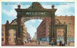 USA The Welcome Arch and 17th St at Union Depot Denver 02.04