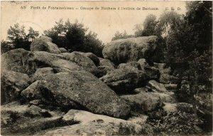 CPA Foret de FONTAINEBLEAU - Groupe de Rochers a l'entrée de BARBIZON (166689)