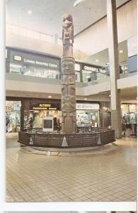 Postal 046465 : The totem Pole in Midtown Plaza Rochester N.Y.