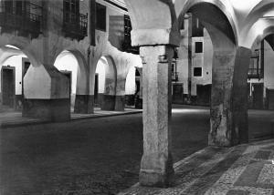 Portugal Evora Arcaria da Porta Nova (aspecto noturno) David Freitas