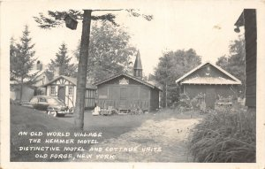 G22/ Old Forge New York RPPC Postcard c1950s Hemmer Motel Cottage Old World