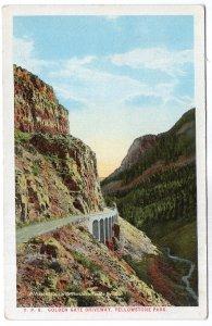 Yellowstone Park,  Golden Gate Driveway
