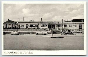 Kehl am Rhein~Bahnhof-Gaststätte~Railroad Depot~Restaurant~Bank~1950s Volkswagen