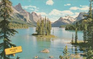 Canada Maligne Lake Jasper National Park Alberta