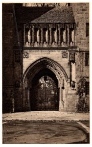 Connecticut New Haven ,  Branford College , High Street Gate