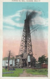 SHAWNEE , Oklahoma , 1910s ; Flowing Oil Well