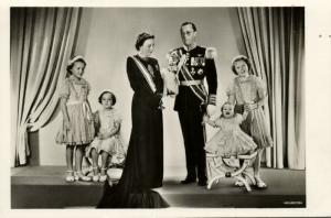 netherlands, Queen Juliana, Prince Bernhard and Princesses (1948) RPPC