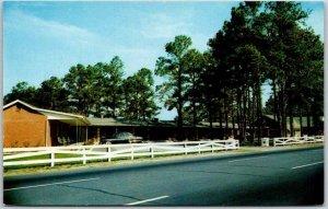 Hampstead, North Carolina Postcard MARTHA ANN MOTOR COURT & Restaurant c1950s