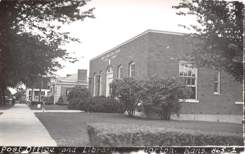 Horton Kansas~Post Office & Library~Storefront~1940s Cars~1950s RPPC