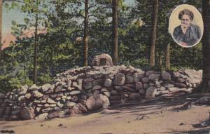 Helen Hunt's Grave Above Seven Falls, COLORADO SPRINGS, Colorado, PU-1956