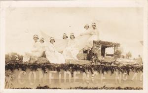 RP; Parade, WINNIPEG, Manitoba, Canada, 1931; Confidence No. 40 Float with 7 ...