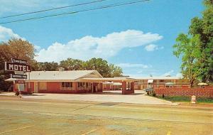 Malvern Arkansas Town House Motel Street View Vintage Postcard K90885